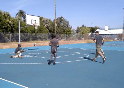 Junior, Patrick & Oscar shooting hoops.